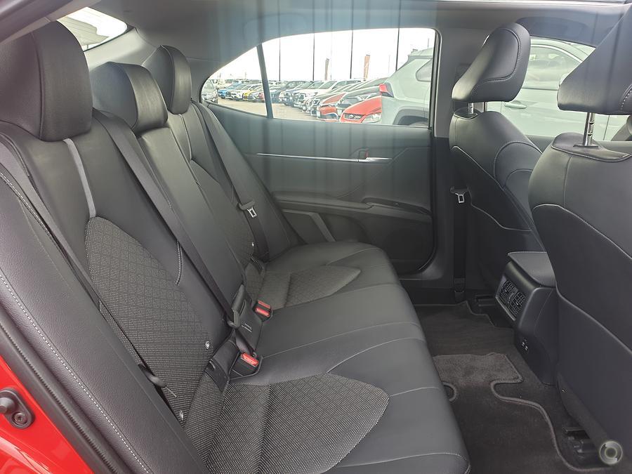 2019 Toyota Camry SX GSV70R
