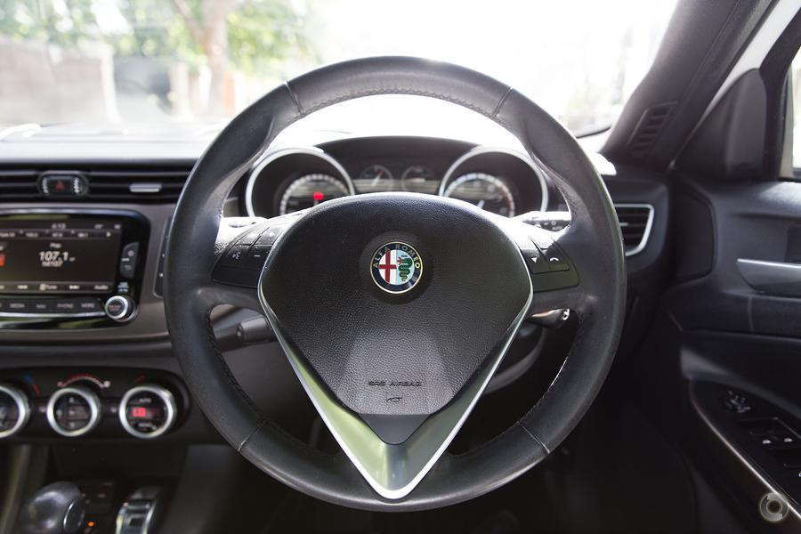 2014 Alfa Romeo Giulietta Quadrifoglio Verde Series 1