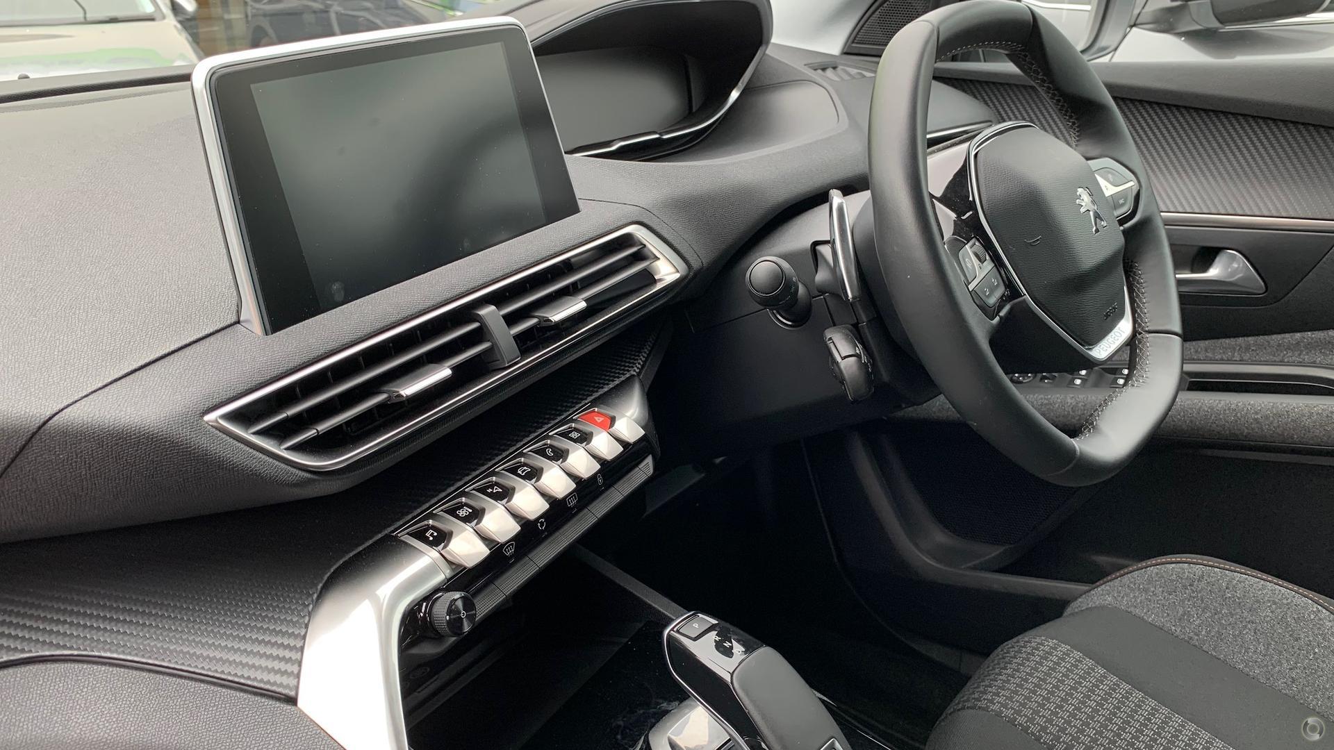 2018 Peugeot 3008 Active P84