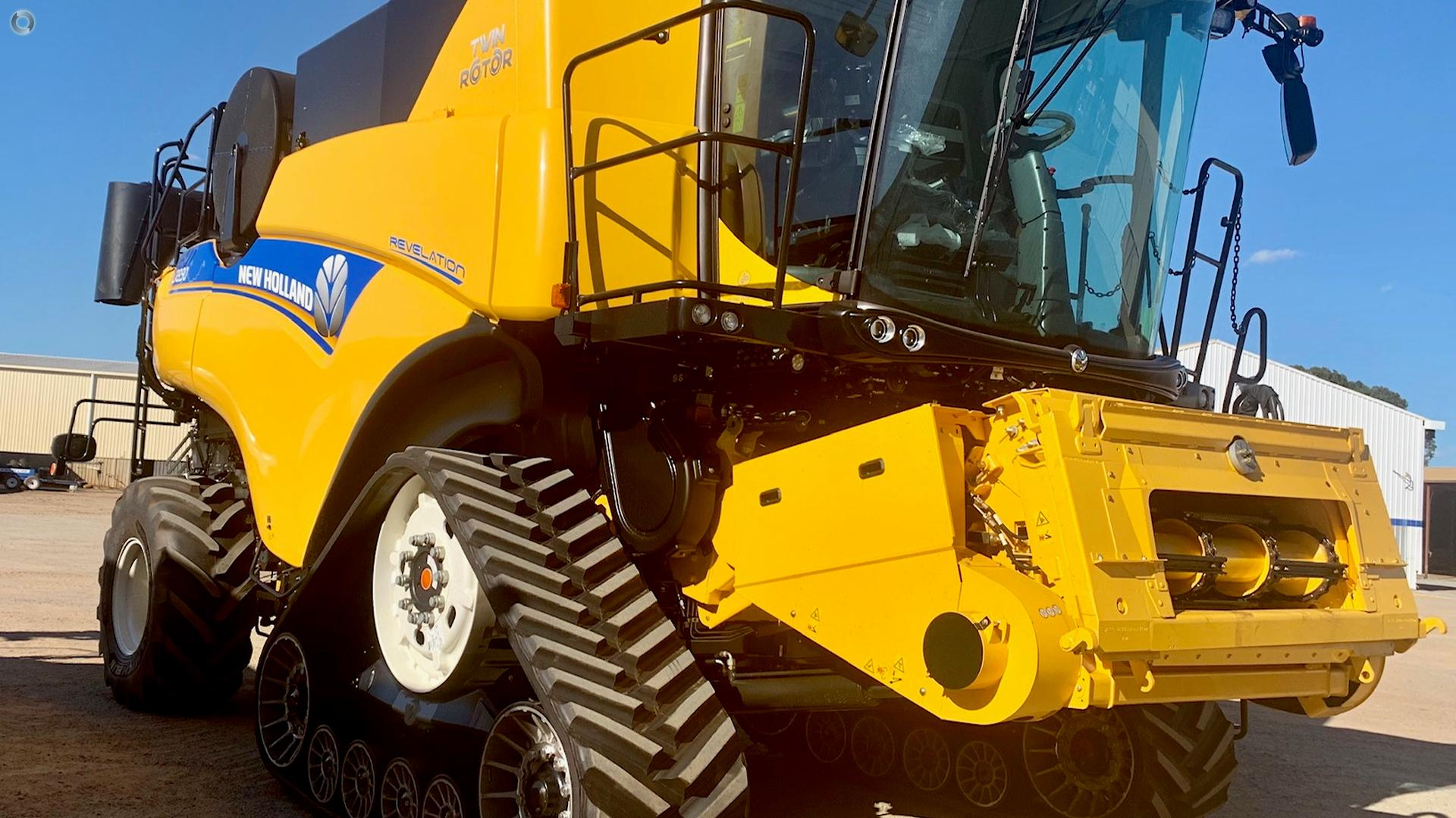 2019 New Holland CR8.90 Combine Harvester