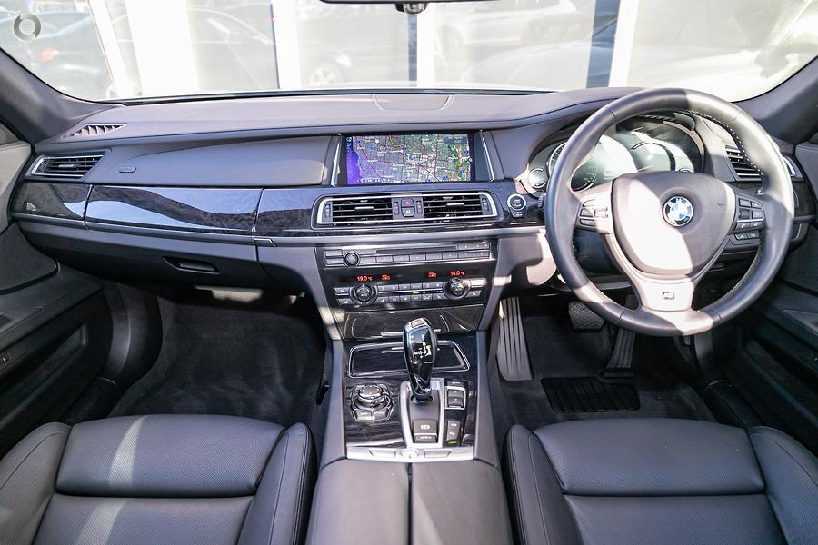 2012 BMW 740i