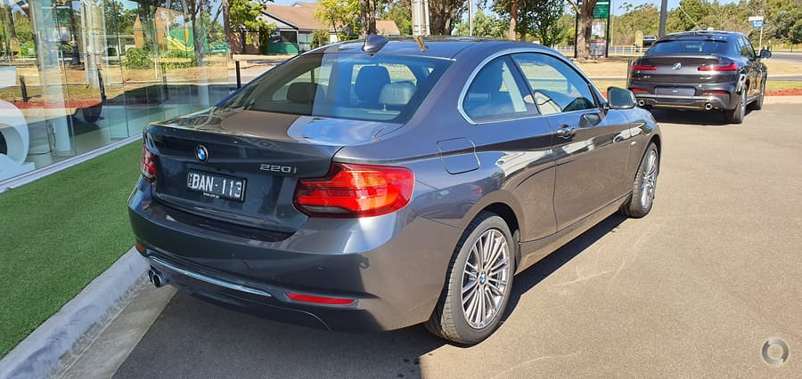 2017 BMW 220i Luxury Line