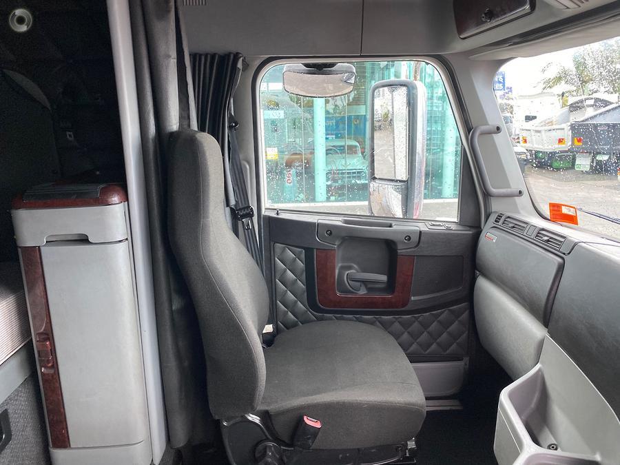 2013 Freightliner ARGOSY 110 BIG CAB *CUMMINS*