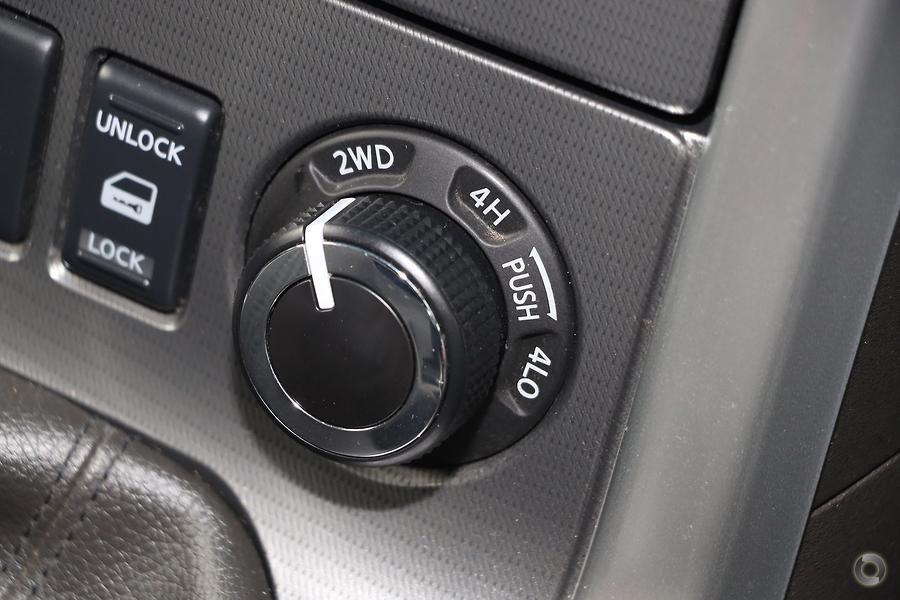 2011 Nissan Navara ST-X D40