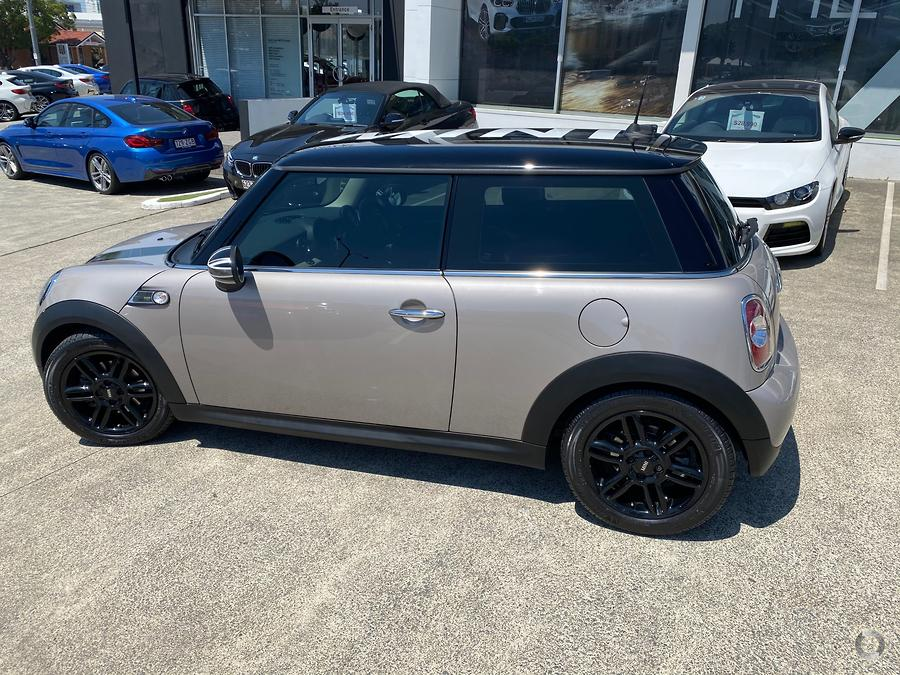 2013 MINI Hatch Cooper D Baker Street