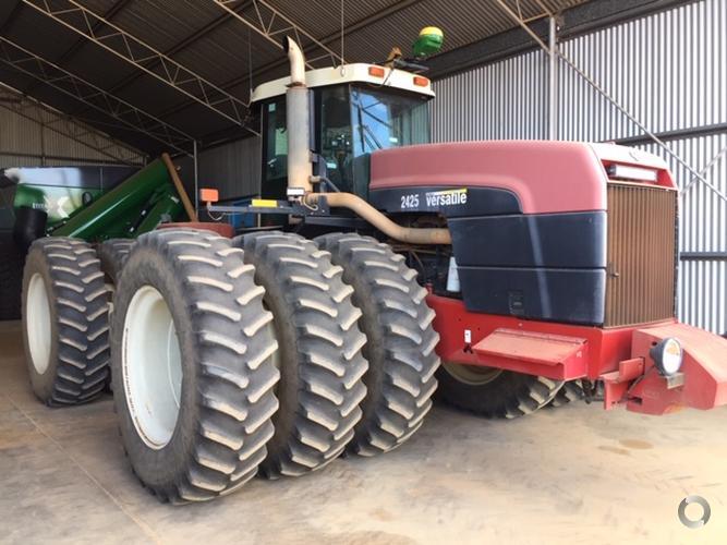 Versatile 2425 Tractor