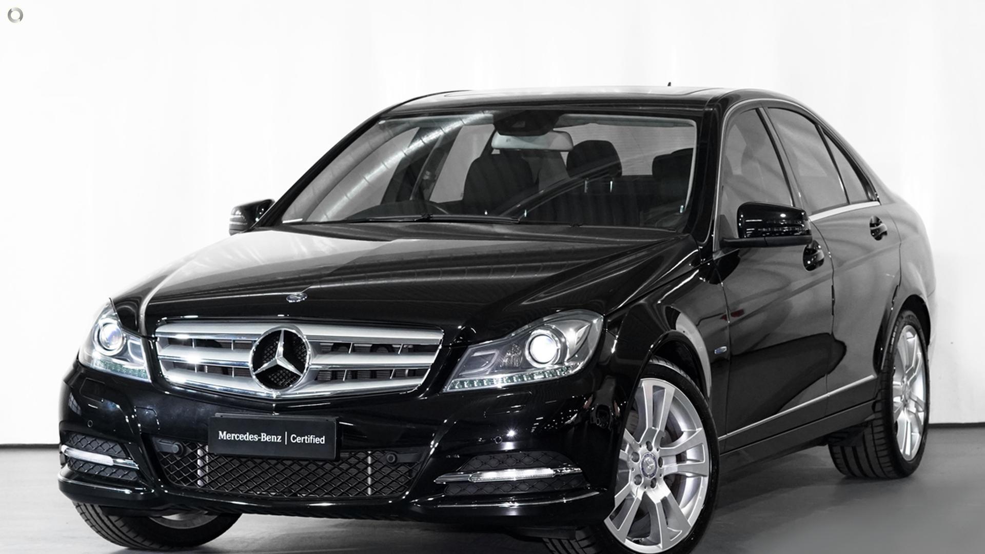 2011 Mercedes-Benz C 300 BLUEEFFICIENCY AVANTGARDE Sedan