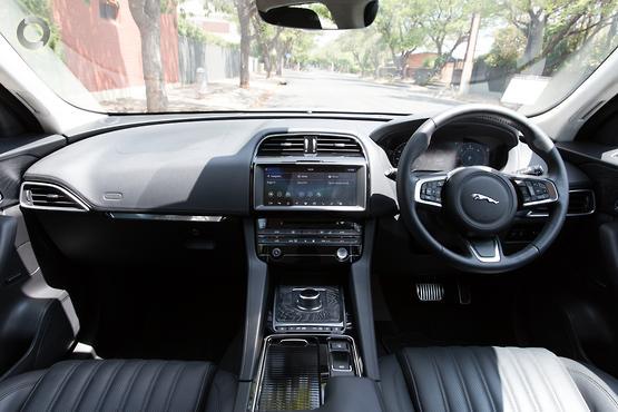 2018 Jaguar F-PACE 25d Portfolio X761
