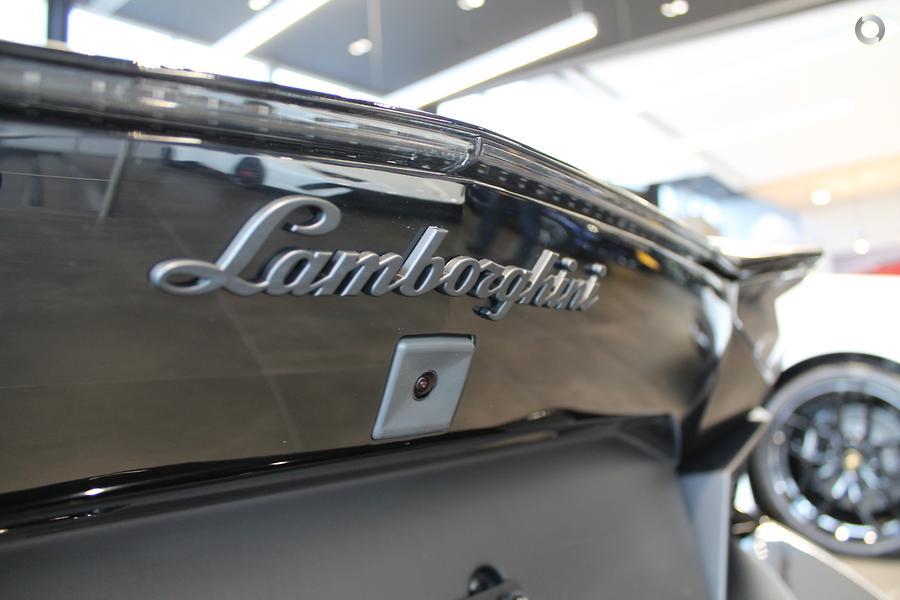 2016 Lamborghini Aventador LP700-4 834