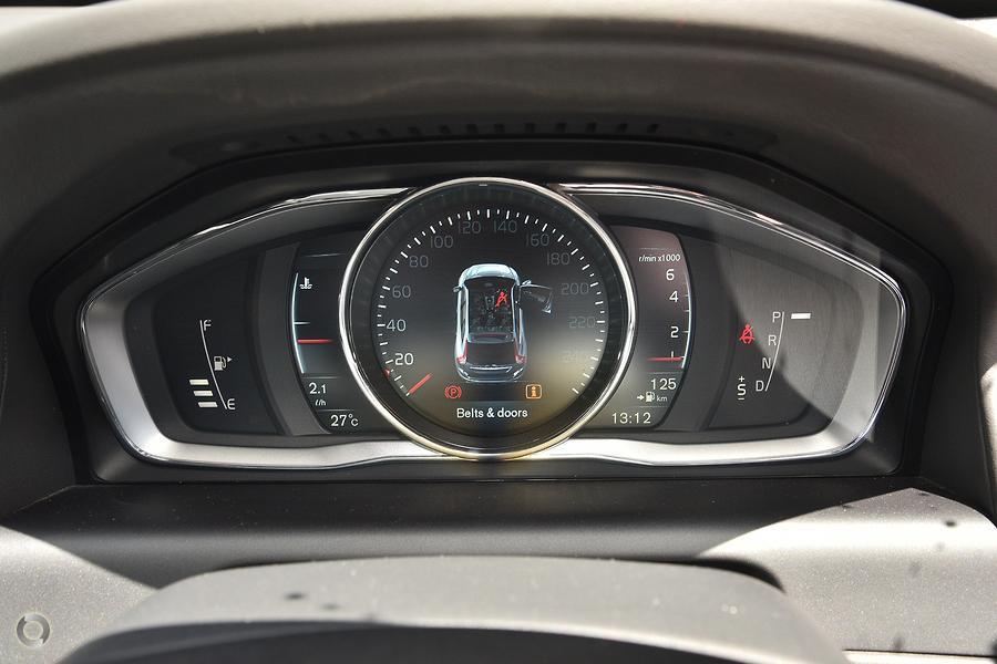 2015 Volvo XC60 T6 Luxury
