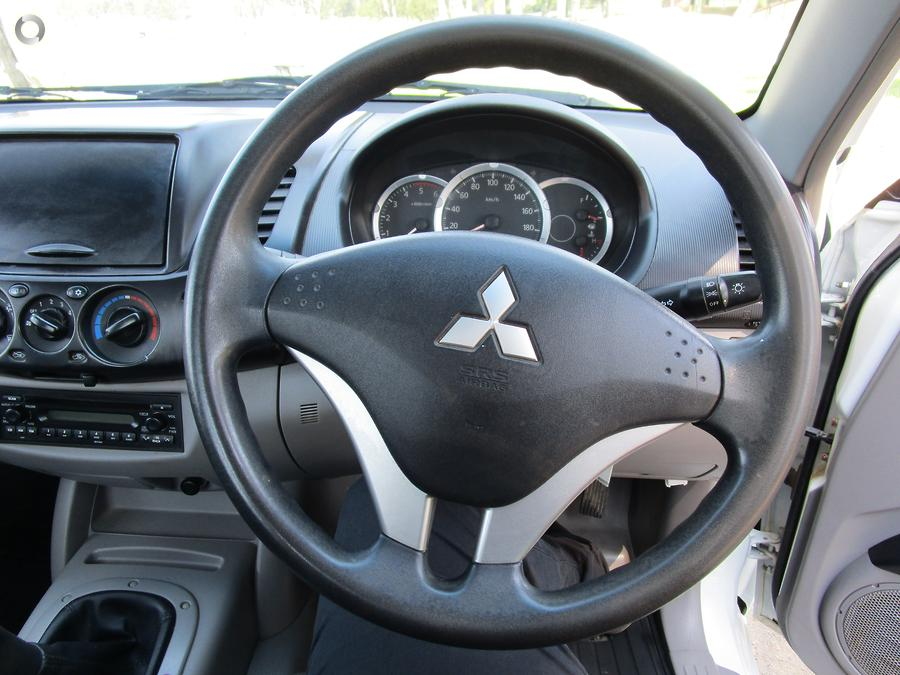2013 Mitsubishi Triton GL MN