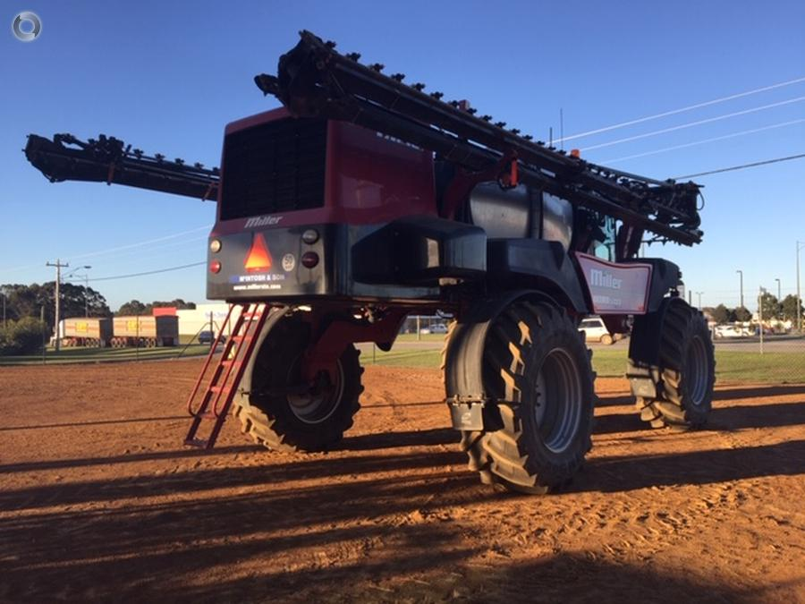 2014 Miller Nitro 5333 Sprayer