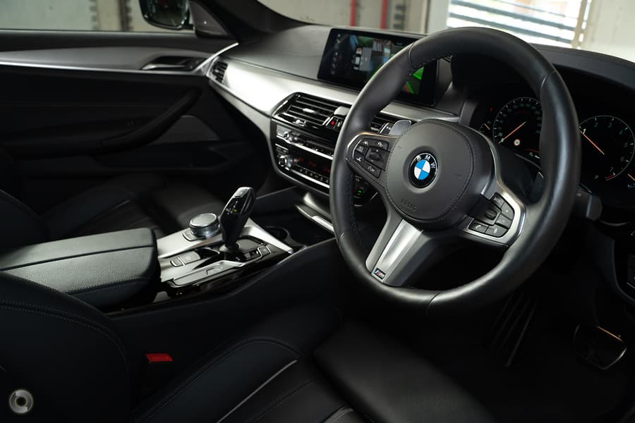 2019 BMW 530i M Sport