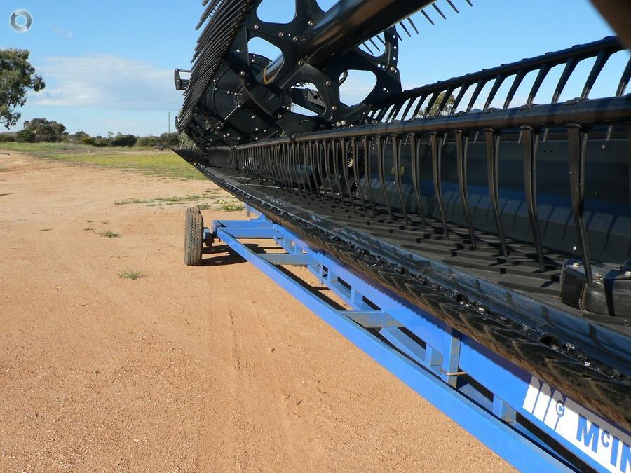 2012 New Holland CR8090 Combine Harvester