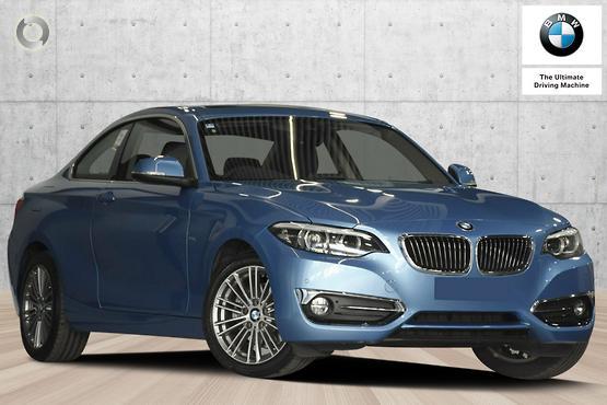 2018 BMW 220 i Luxury Line