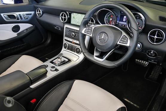 2016 Mercedes-Benz SLC 300