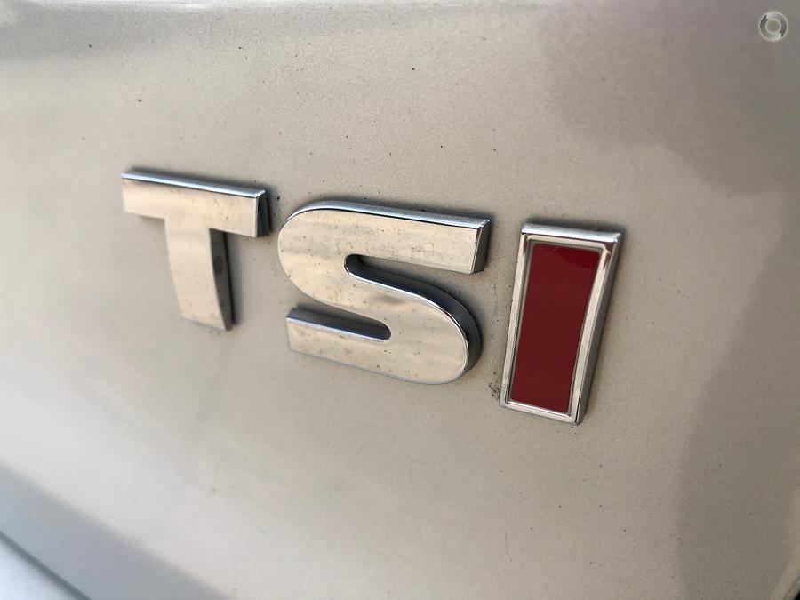 2010 Volkswagen Golf 77TSI VI