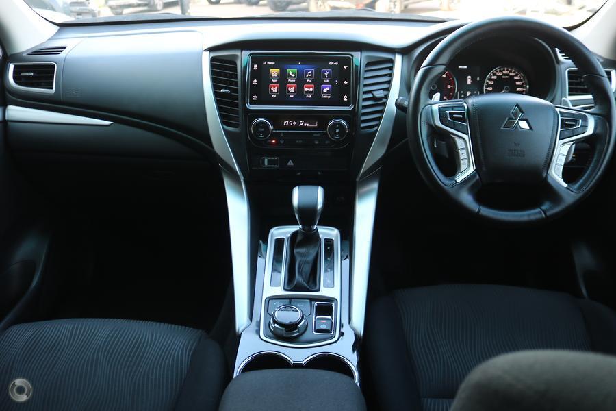 2017 Mitsubishi Pajero Sport GLX QE
