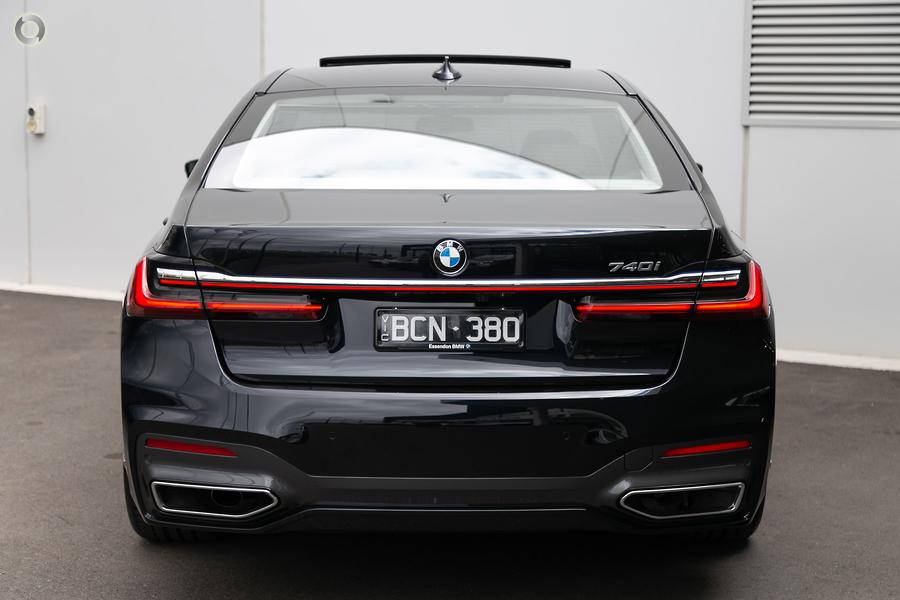 2019 BMW 740i
