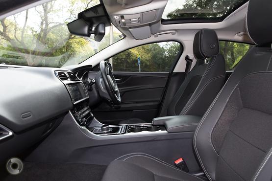 2016 Jaguar XE 25t R-Sport X760
