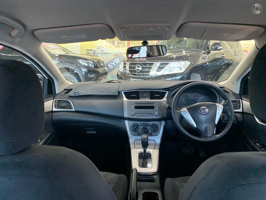 2012 Nissan Pulsar ST