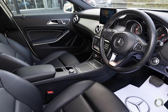 2017 Mercedes-Benz GLA 220 D