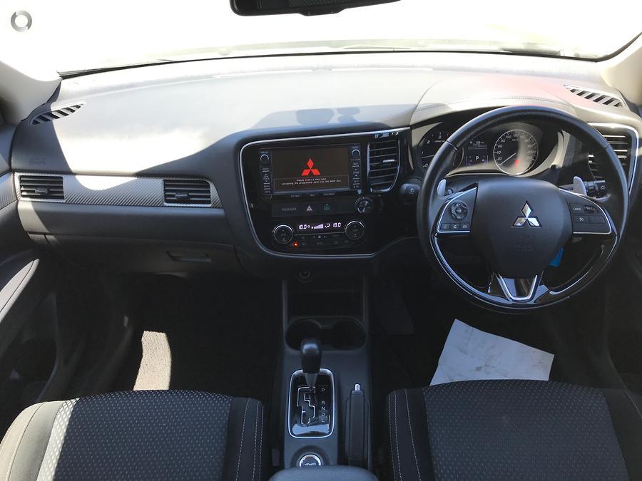 2016 Mitsubishi Outlander XLS ZK