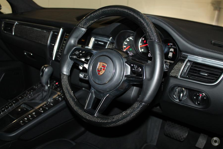 2015 Porsche Macan Turbo 95B