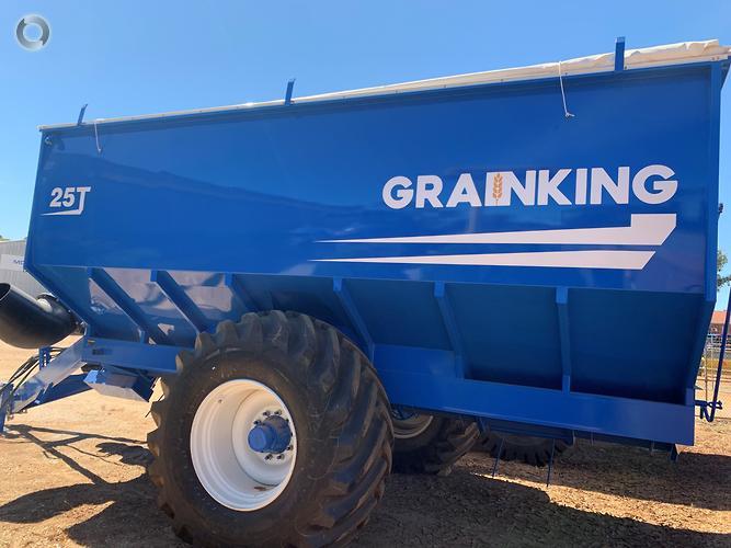 2019 Grain King 25T Chaser Bin
