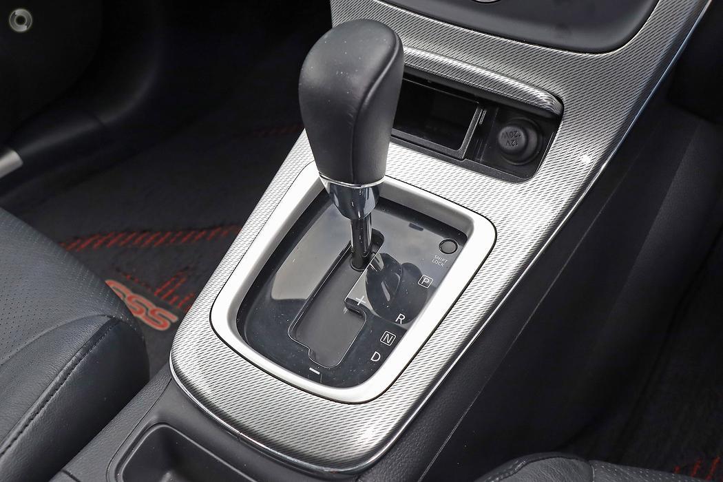 2015 Nissan PULSAR Sedan SSS