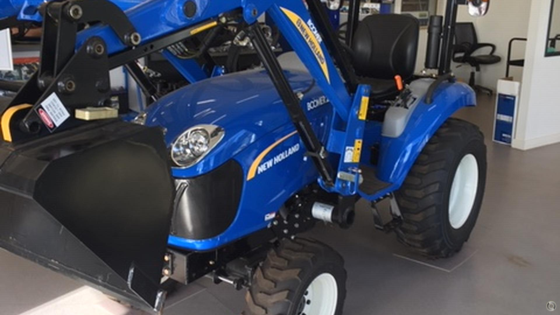 0 New Holland Boomer 25 Tractor