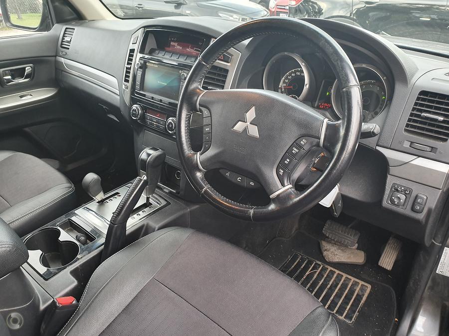 2015 Mitsubishi Pajero GLS NX