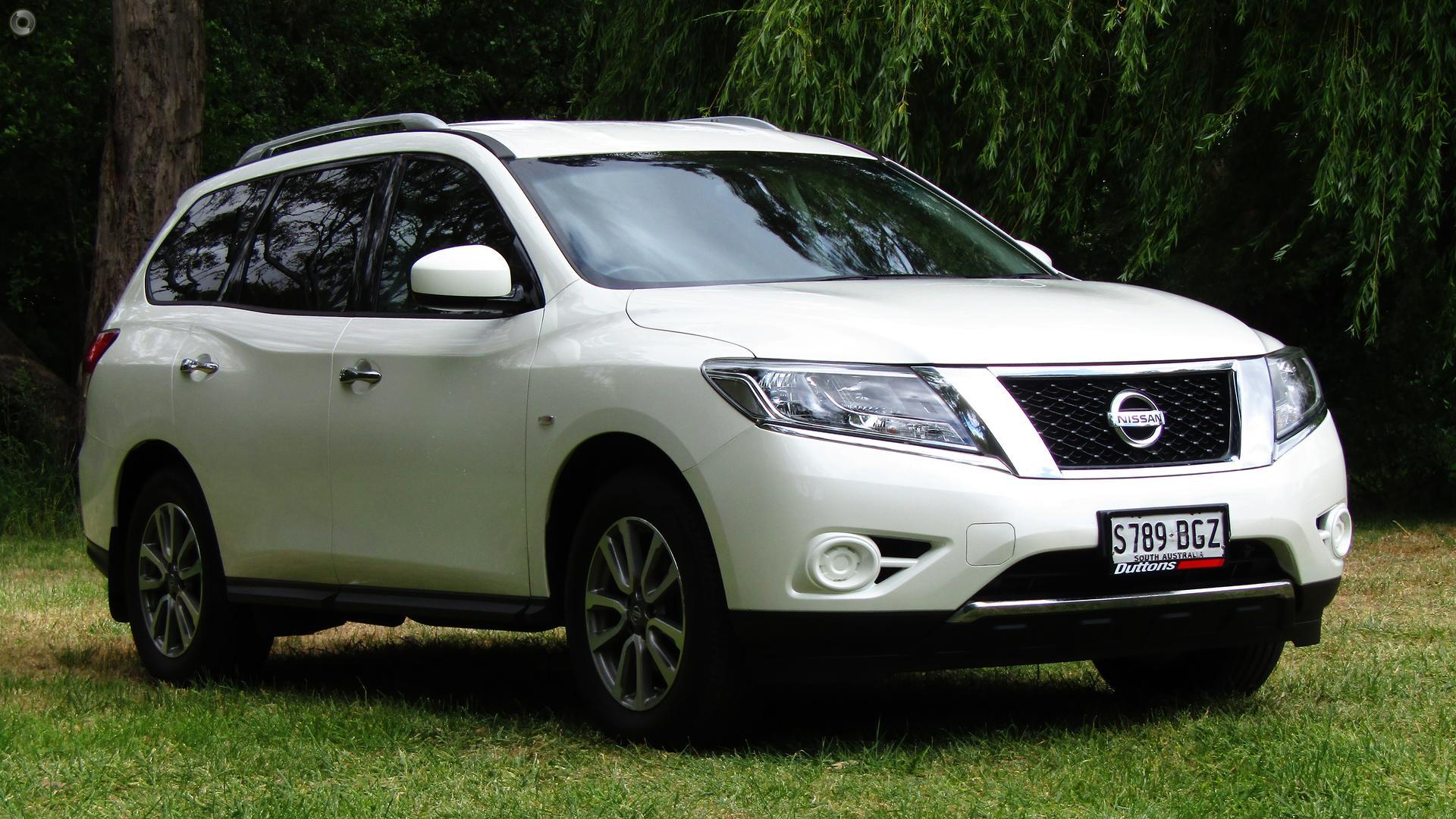 2015 Nissan Pathfinder ST R52