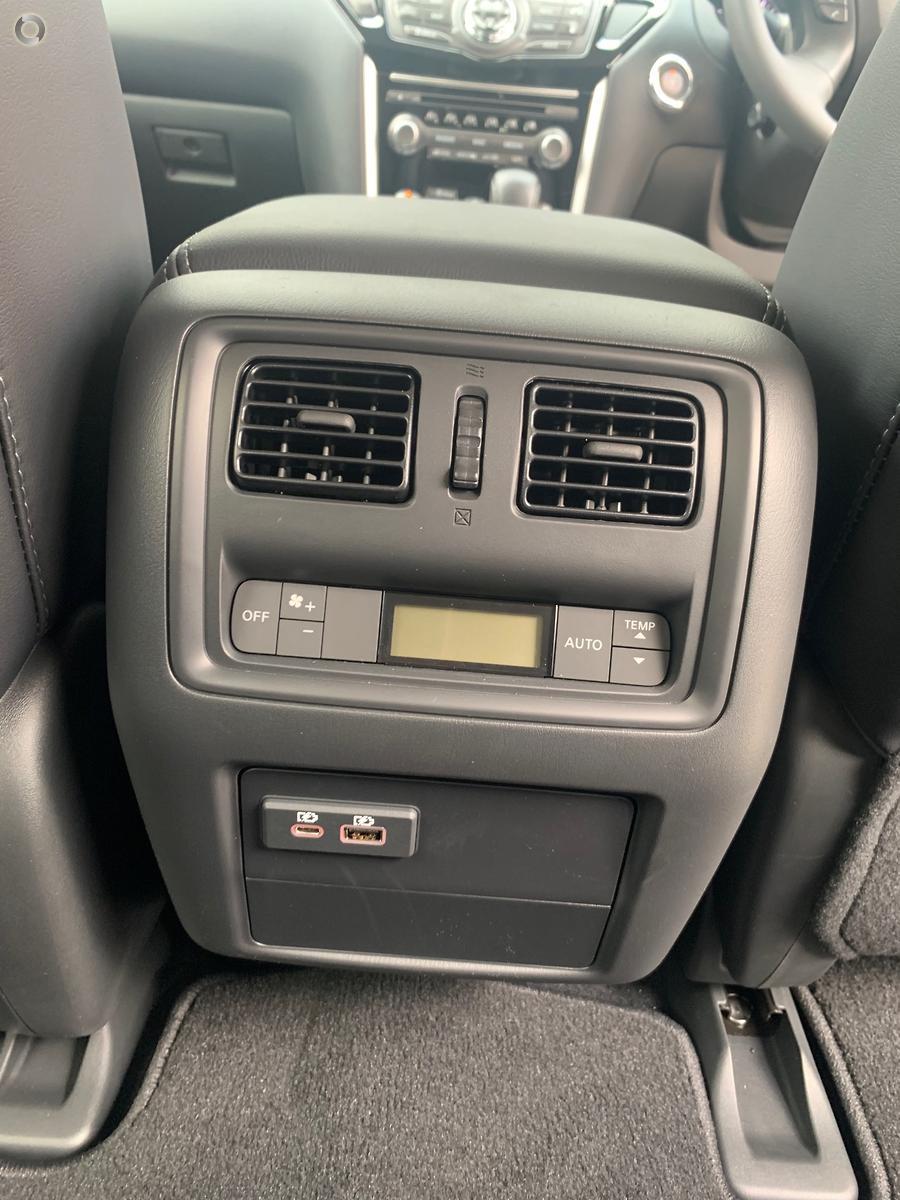 2018 Nissan Pathfinder ST-L R52 Series III