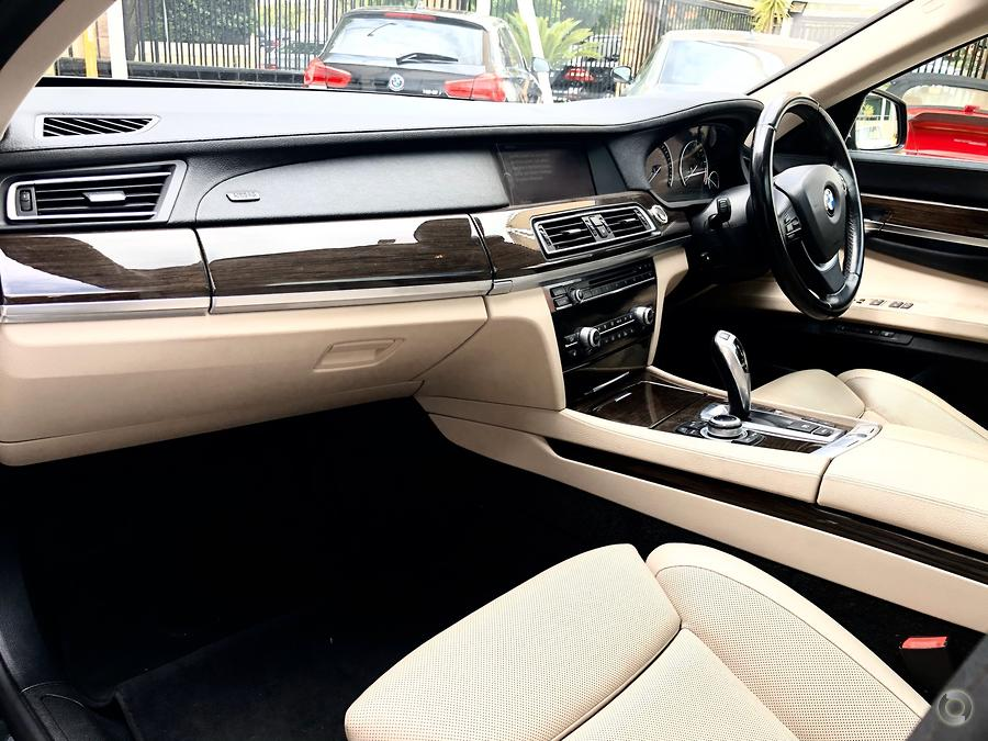 2009 BMW 750i  F01