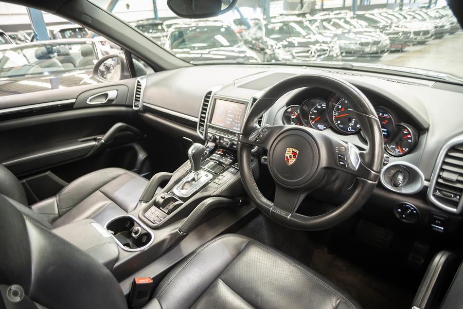 2011 Porsche Cayenne  92A