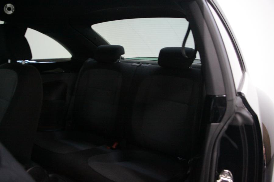 2015 Volkswagen Beetle  1L