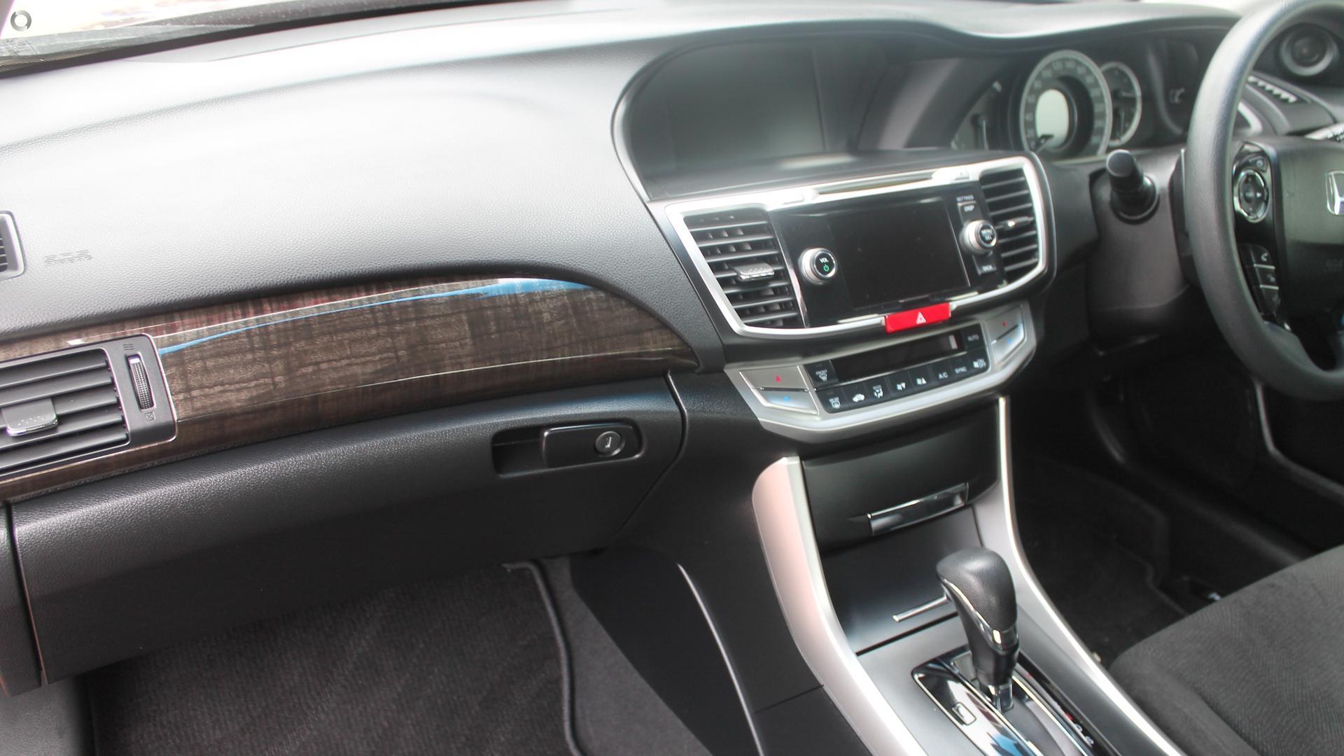 2013 Honda Accord VTi 9th Gen