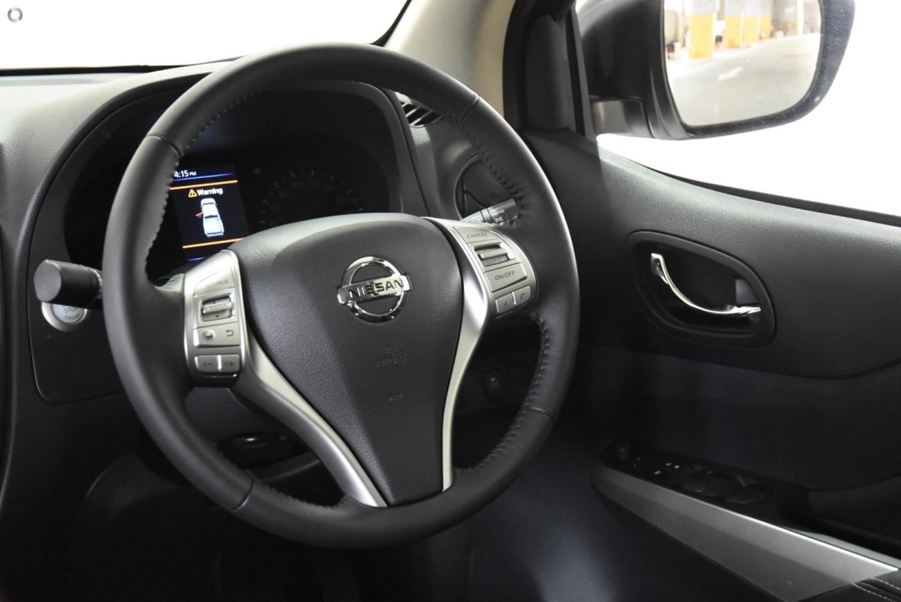 2019 Nissan Navara ST-X D23 Series 4