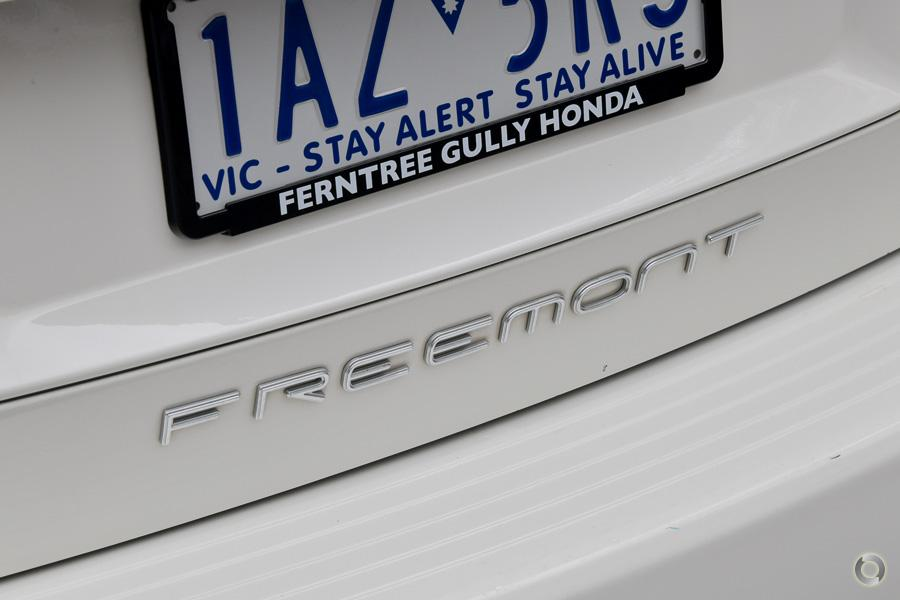 2013 Fiat Freemont Base JF