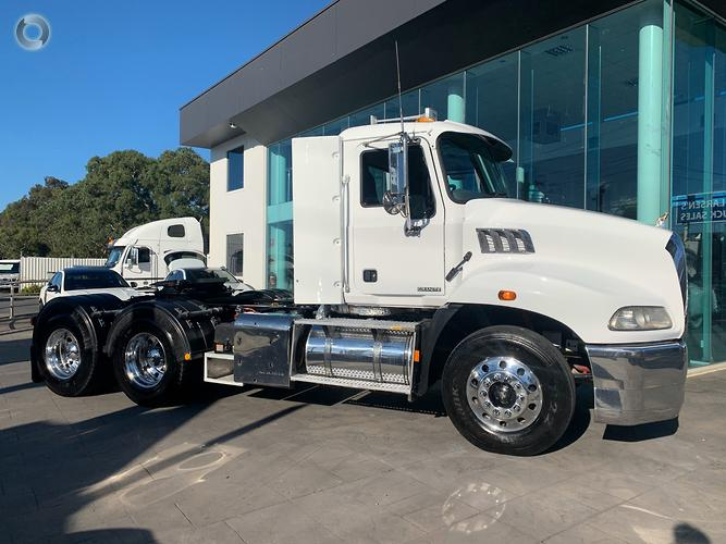 2012 Mack GRANITE DAY CAB 490000 GENUINE KMS