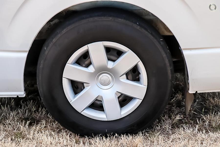 2012 Toyota Hiace Hitop 3 Berth Camper