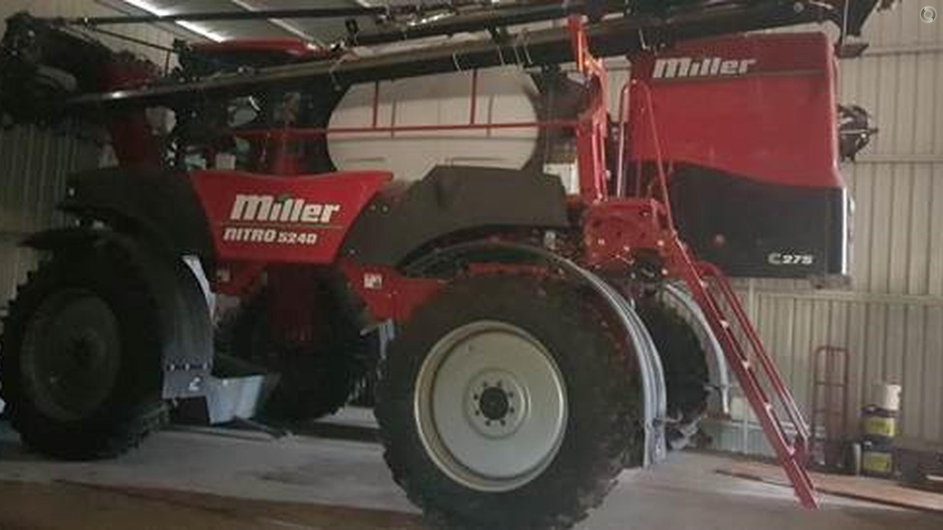 2016 Miller Nitro 5240 Sprayer