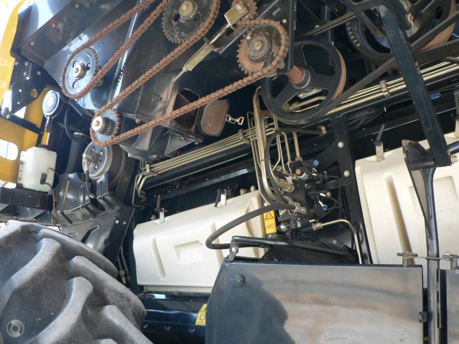 2012 New Holland CR8090