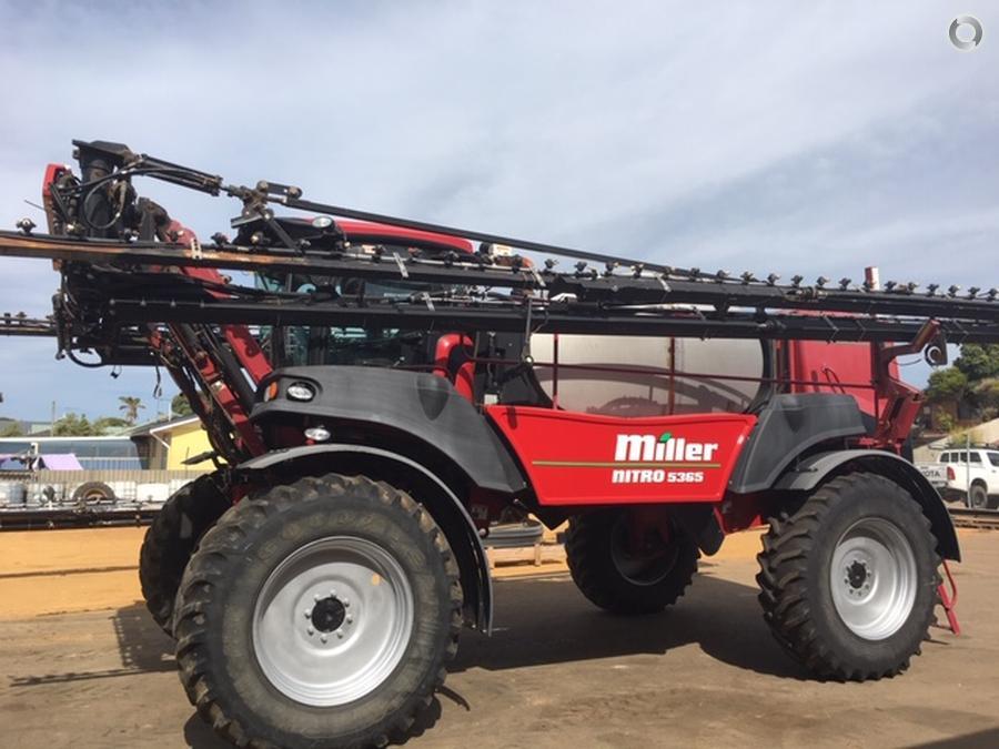 2013 Miller Nitro 5365 Sprayer