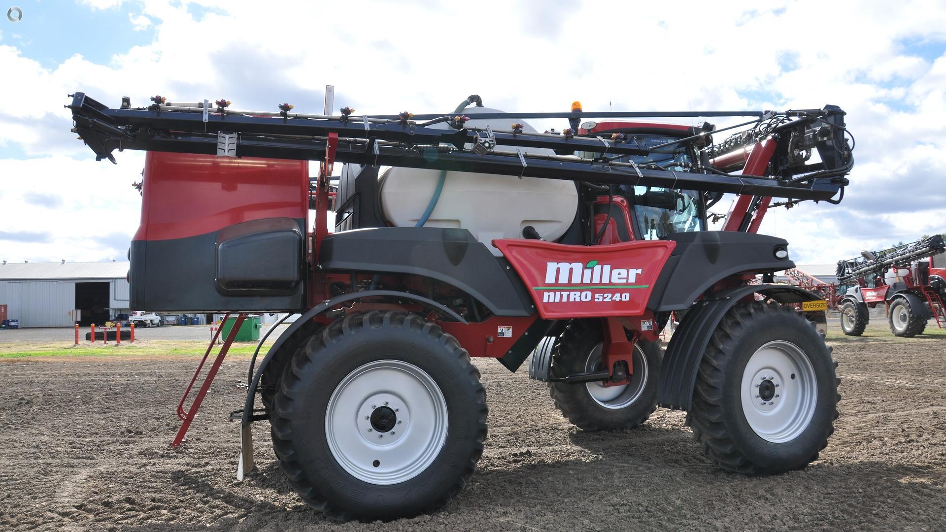 2014 Miller Nitro 5240 Sprayer