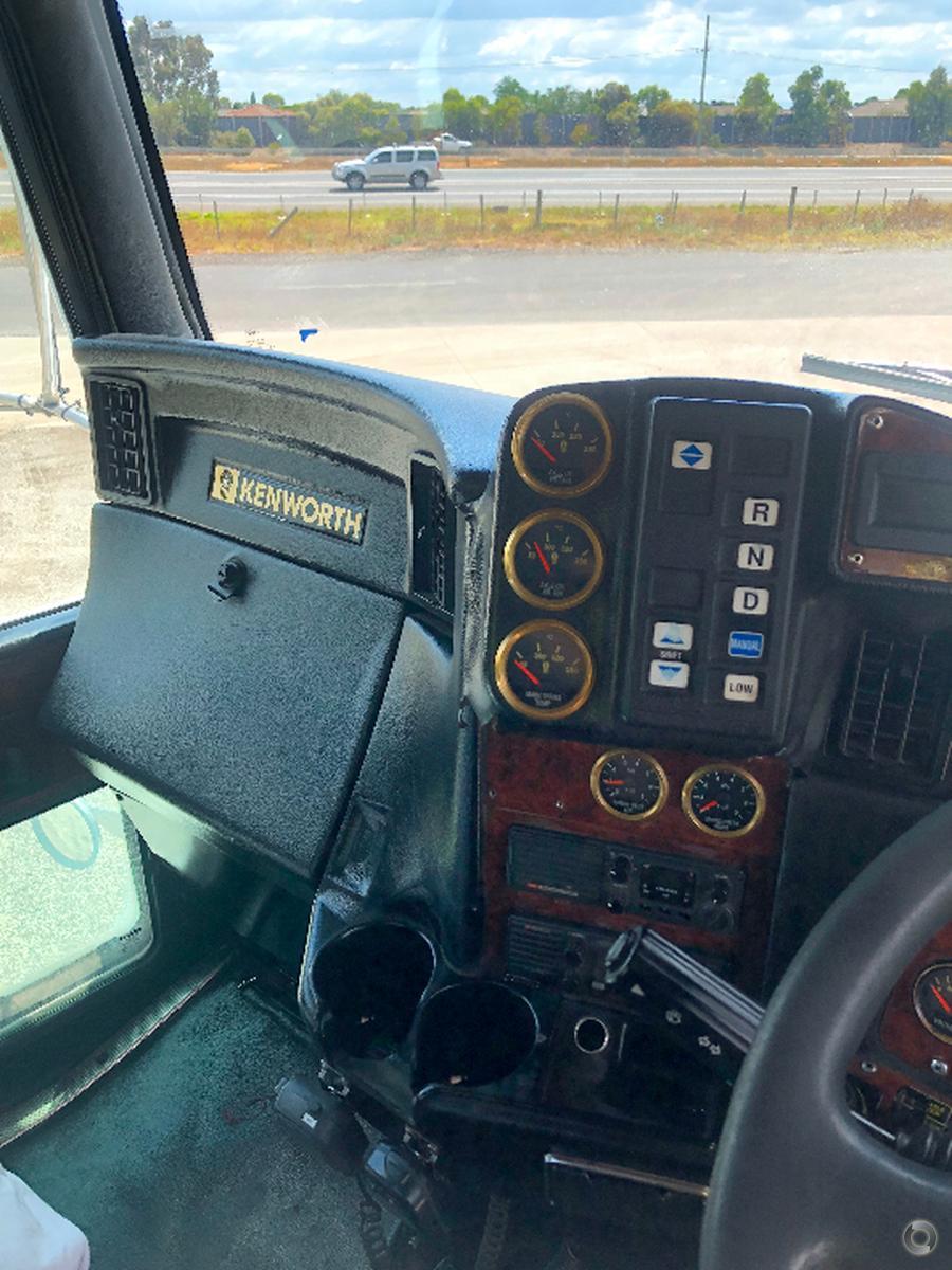 2004 Kenworth T404 SAR