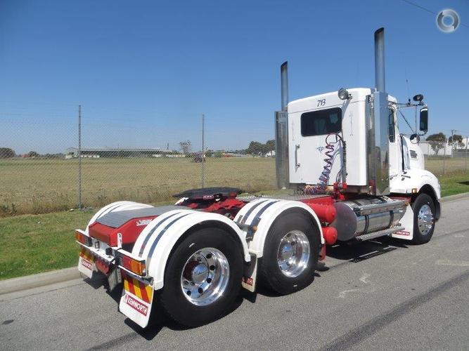2012 Kenworth T403 DAYCAB