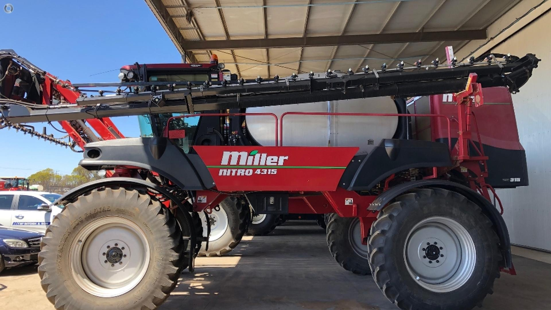 2009 MILLER Nitro 4315 SP Sprayer