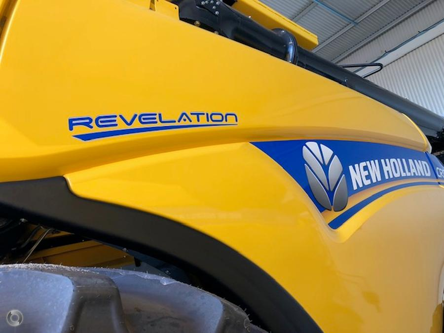 New Holland CR8.90 Combine Harvester
